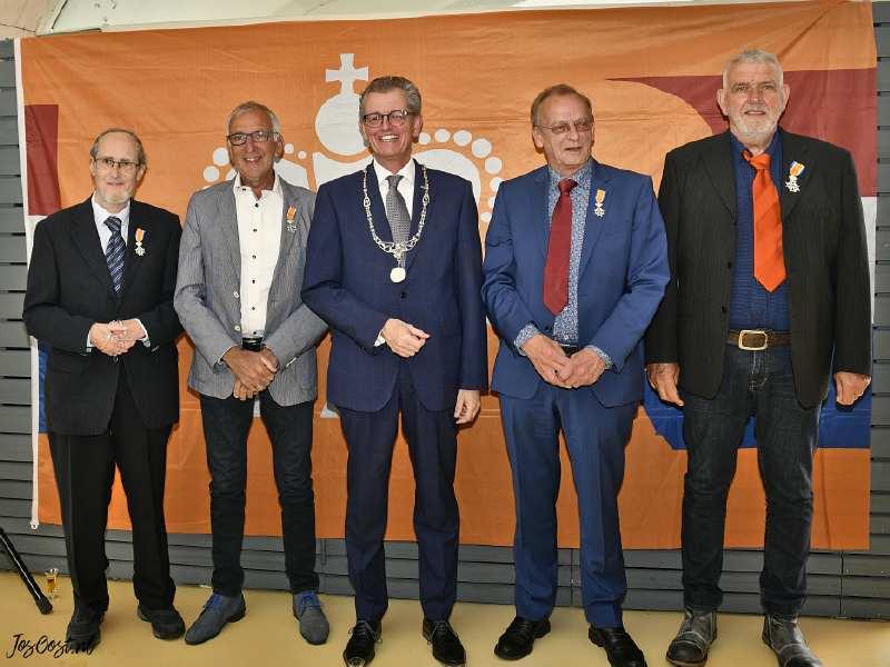 Vier inwoners van Zeewolde Koninklijk onderscheiden
