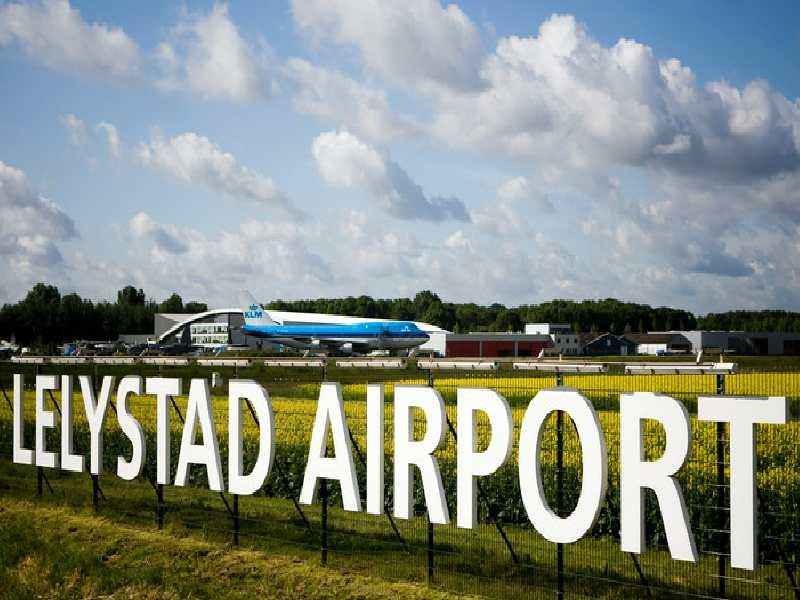 Luchtverkeersleiding Lelystad Airport gestart