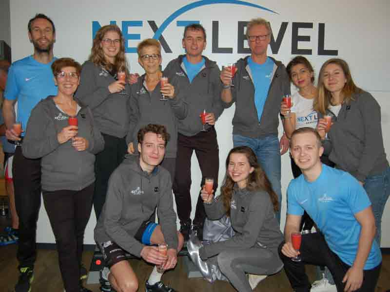 Next Level Healthclub opent fitness-0-theek